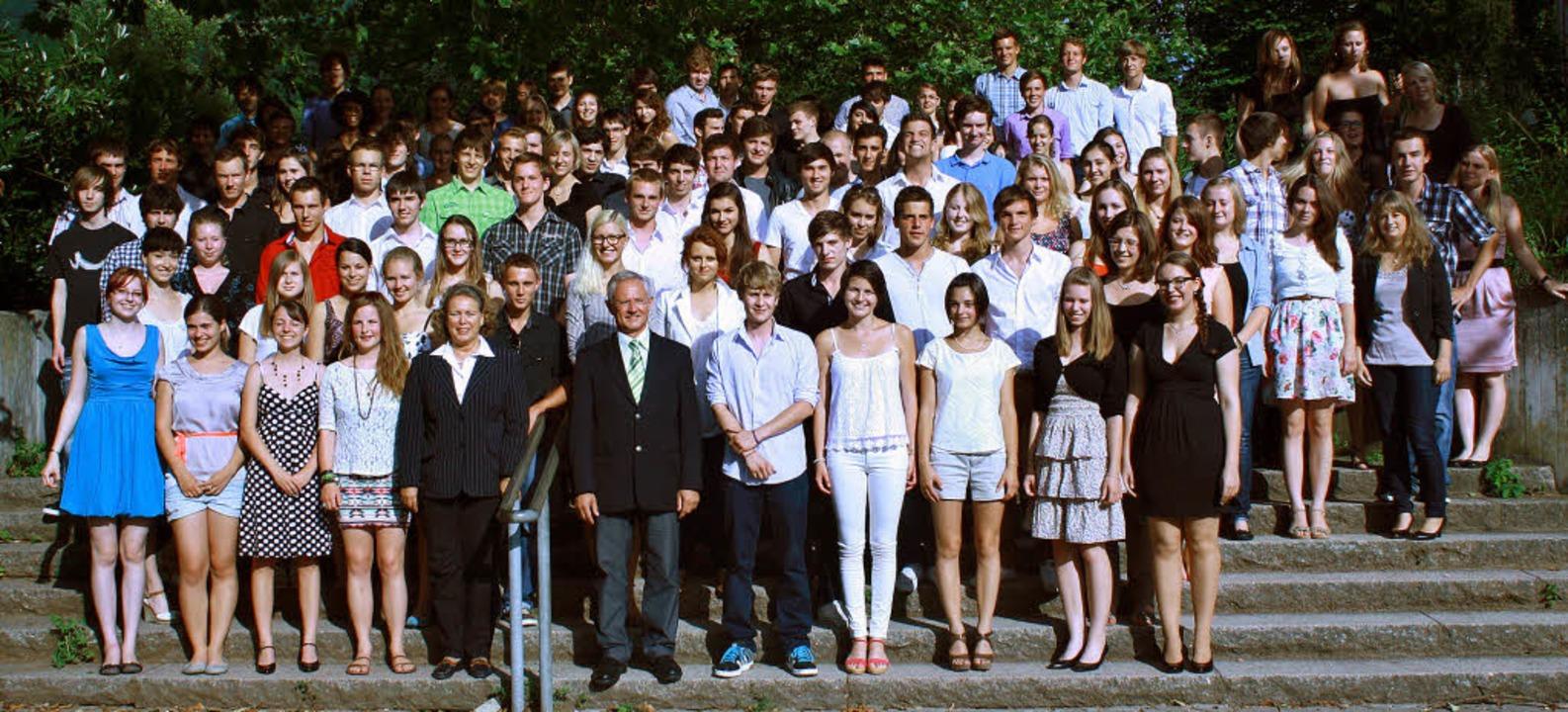 Die Schulzeit ist vorbei, das Lernen g...gang 2012 des Faust-Gymnasiums Staufen  | Foto: Privat