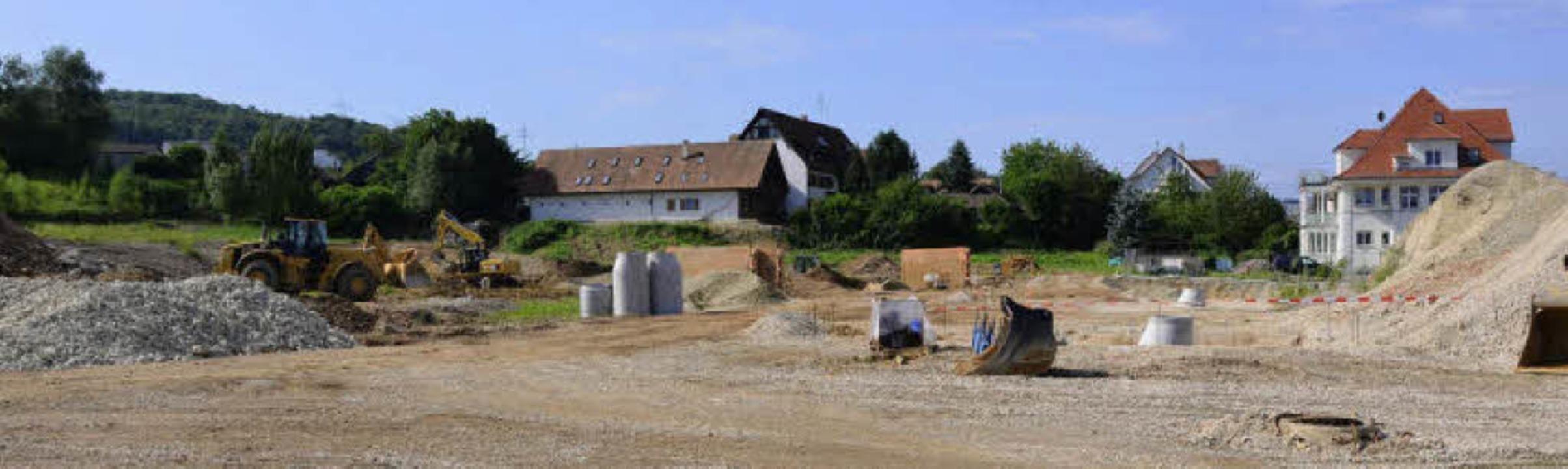 Die Erschließungsarbeiten des Tonwerkeareals Rümmingen sind in vollem Gange.     Foto: Markus Maier