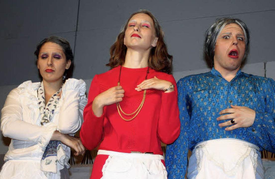 Wehe, wer ihnen in die Hände fällt, di...beim Abitheater des Goethe-Gymnasiums.  | Foto: Charlotte Wittnebel