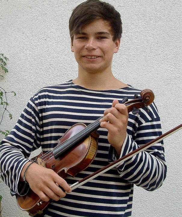 "Liebt das Geigenspiel: Zum sechsten Ge...222;Jugend musiziert"" gewonnen.     Foto: Roswitha Frey"