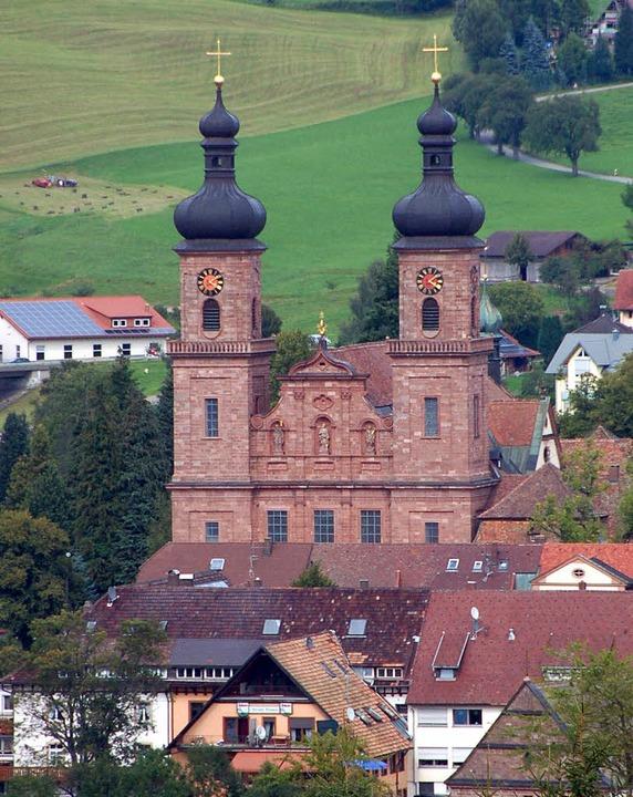 Die Barockkirche St. Peter: Wer zukünf...achen will, muss mehr Kurtaxe zahlen.   | Foto: Markus Donner