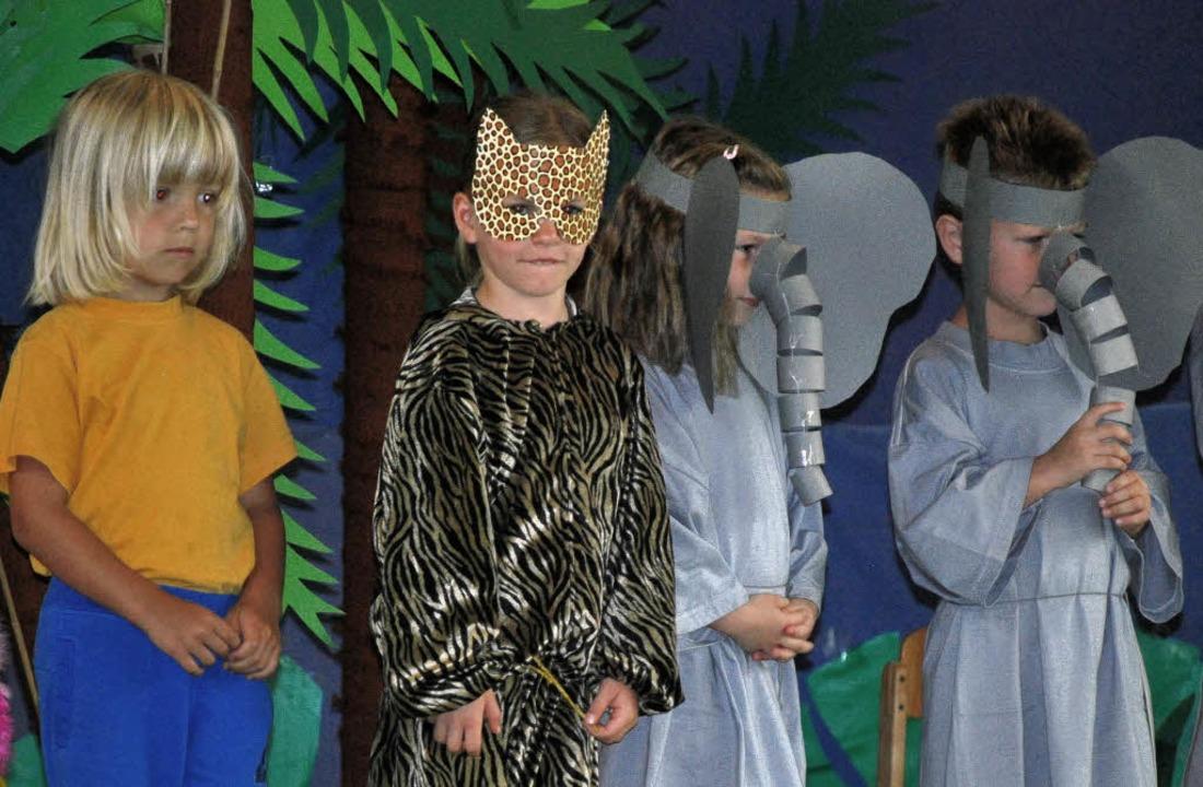 Beim  Sommerfest führten die Bischoffi...nkinder ein musikalisches Märchen auf.    Foto: benjamin bohn