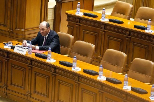 Regierung in Bukarest will Präsidenten absetzen