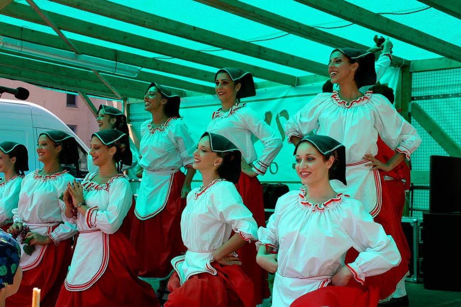 Musik, Tanz und Leckereichen - Gründe für gute laune gab es beim Sommer in Wehr genügend. (Foto: Jörn Kerckhoff)
