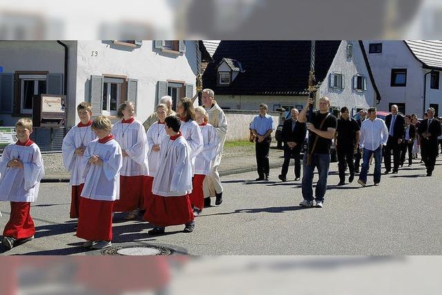 Prozession auf der Kippe