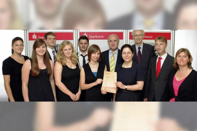 Deutscher Gründerpreis: Team der Carl-Helbing-Schule belegt Platz 2