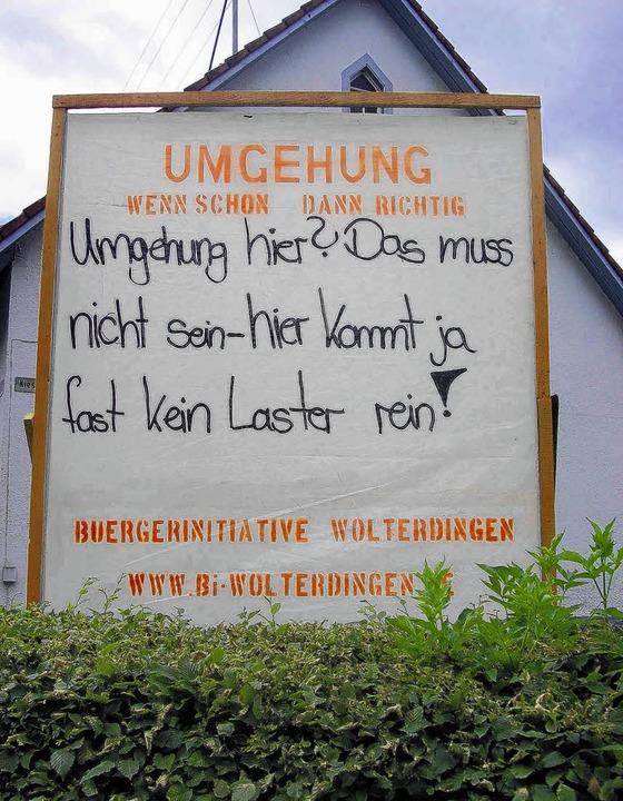 Eindeutig: Protestplakate in Wolterdingen.   | Foto: REichart