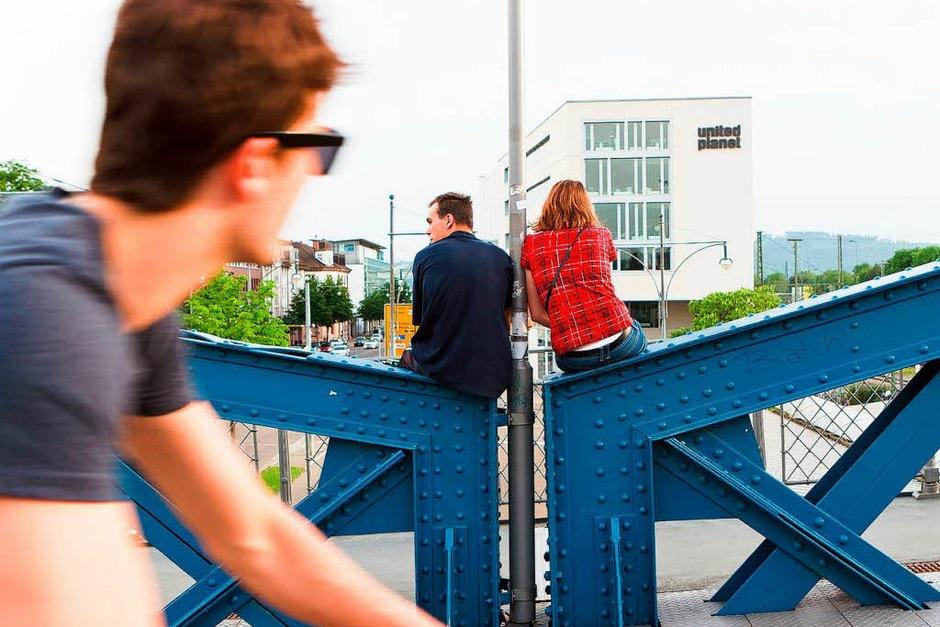 Die Wiwili-Brücke in Freiburg - ein Platz zum Verlieben. (Foto: Carlotta Huber)