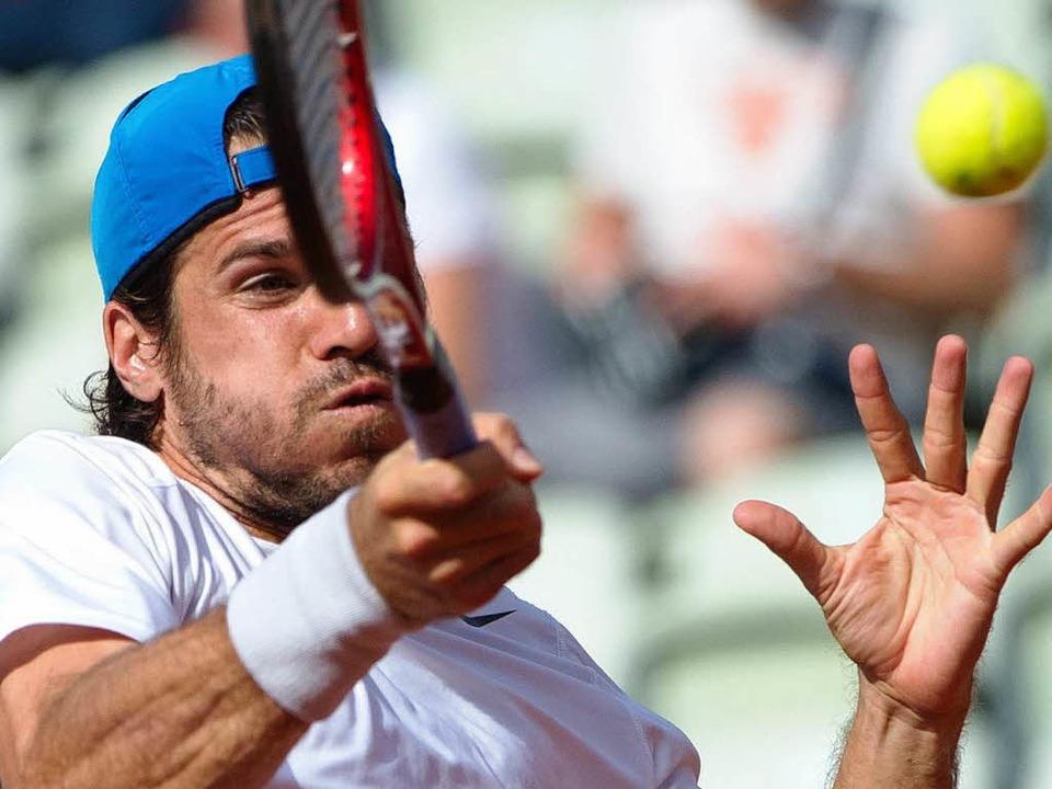 Einer, der beim Tennis immer noch kraftvoll zuschlagen kann: Thomas Haas.     Foto: dpa