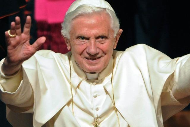 Papst mit Urinfleck – Vatikan stoppt Titanic