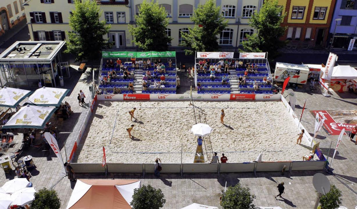 Der Sandkasten im Herzen der Stadt Offenburg: Ein Beachcourt.   | Foto: Archiv: Faruk Ünver