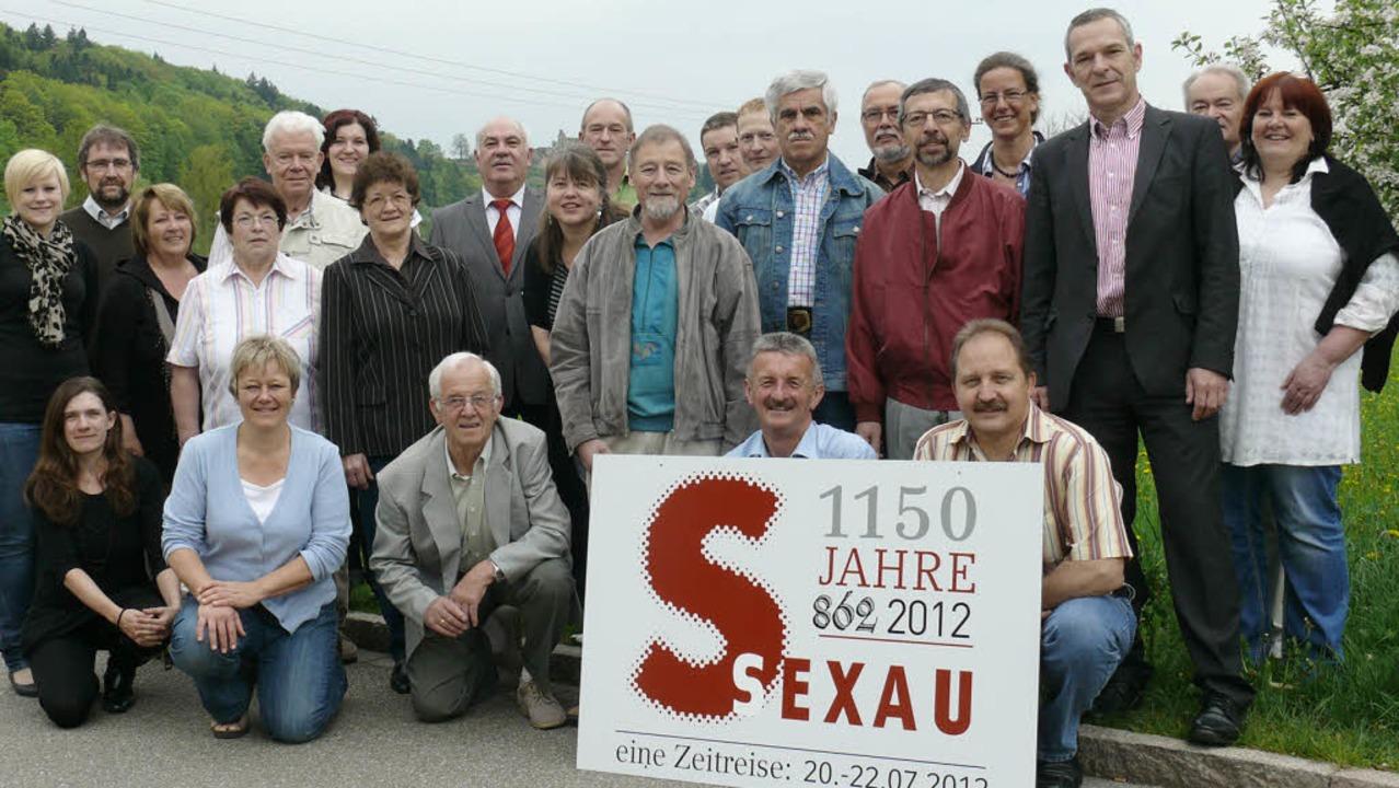 Sie haben innerhalb von zwei Jahren un...ter Michael Goby (3.v.rechts) dankbar.    Foto: Gemeinde