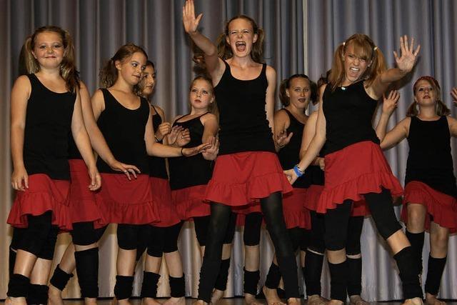 Tänzerisches Spektakel reißt Publikum mit