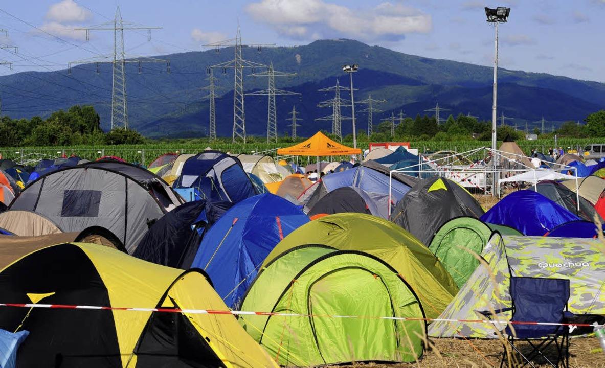 Zelte beim Elektro-Musik-Festival zwischen Tunisee und Kandel   | Foto: Thomas Kunz/ nadine zeller