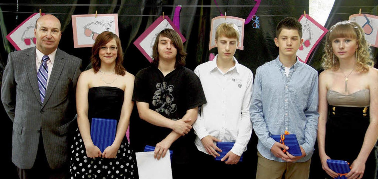 Die Preisträger des Abschlussjahrgangs...n, Martin Markiewitz und  Anita Holm.   | Foto: Schule