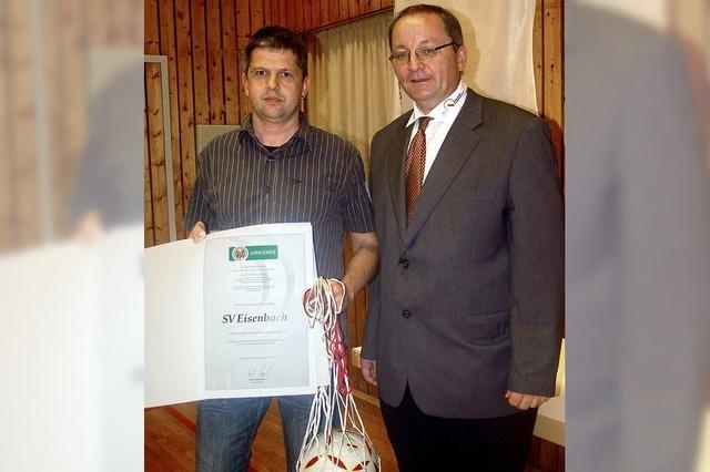 SV Eisenbach erhält Sepp-Herberger-Preis