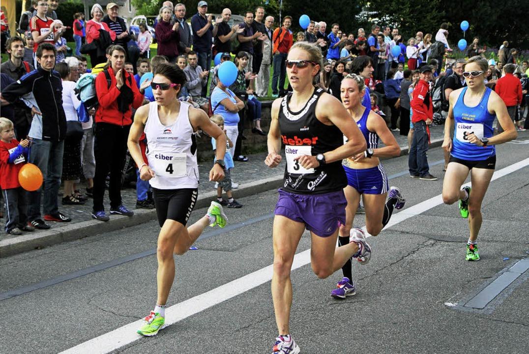 Mitte der der ersten  von vier Runden ...ecker und Stephanie Schmitz-Weckauf.    | Foto: Winfried Stinn