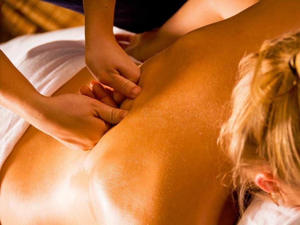 Massage.  | Foto: fotolia.com/Yanik Chauvin