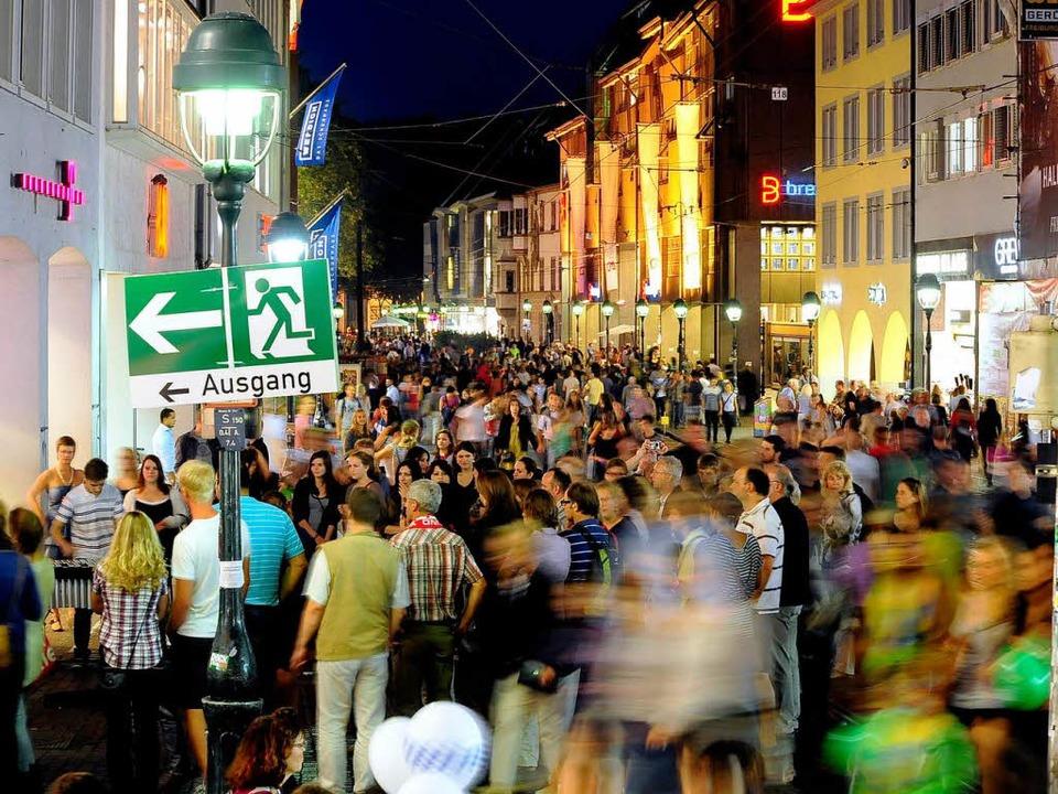 So voll wie am Megasamstag 2011 ist di...er fest steht: Die Bevölkerung wächst.    Foto: Thomas Kunz