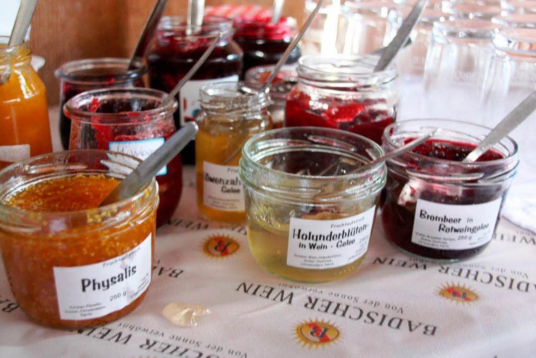 Zahlreiche Gäste kamen nach Oberrotwei...ofer das  Winzerfrühstück zu genießen.    Foto: Christine Aniol