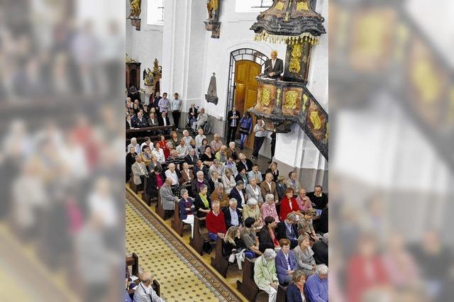 Kretschmann hält Rede in der Kanzel der Stadtkirche