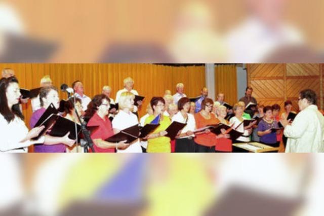 Chöre zeigen bei einem Liederabend Freude am Leben