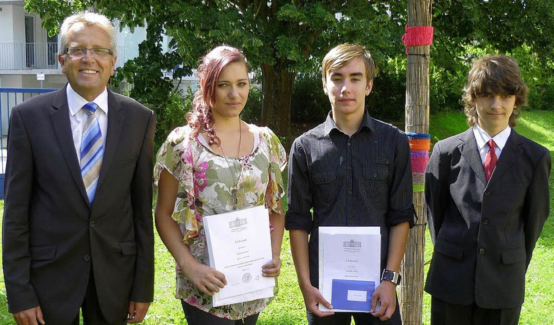Die Preisträger der Abschlussklassen d...cker (9b) und  David Rinkenauer (9c).   | Foto: Schule