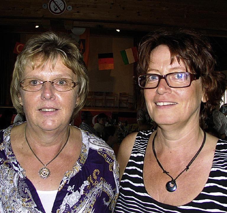 Die Jubilarin Karin Bühler (links) und Ulrike Nickel    | Foto: BODE