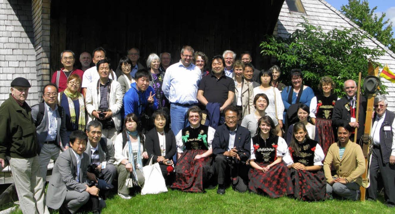 Eine Delegation aus Nagai (Japan) besu...esenhof und die Heimat des Ski-Köpfer.    Foto: U. Spiegelhalter