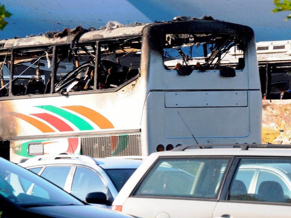 Zerstört: Der israelische Bus in Bulgarien  | Foto: AFP