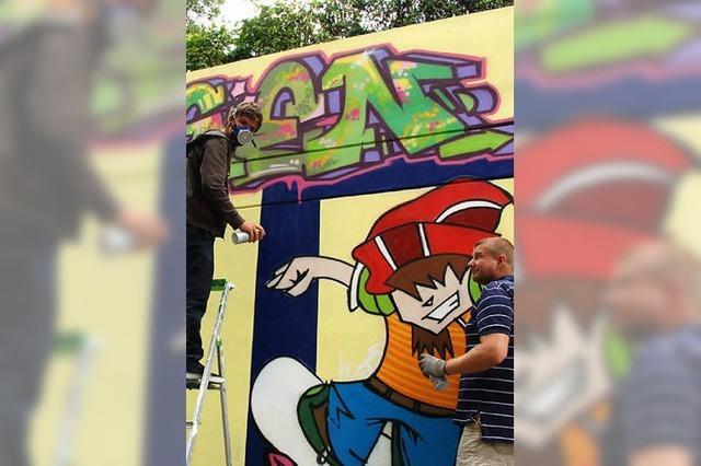 Soccer-Platz, Tonstudio und Raum für Grafitti