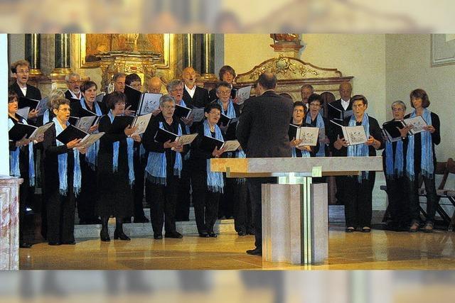 Raumfüllender Chorklang in der Kirche