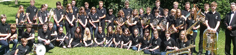 Stolz präsentiert sich das Jugendorche...Rickenbach nach  Jugendmusikfestival.   | Foto: BZ