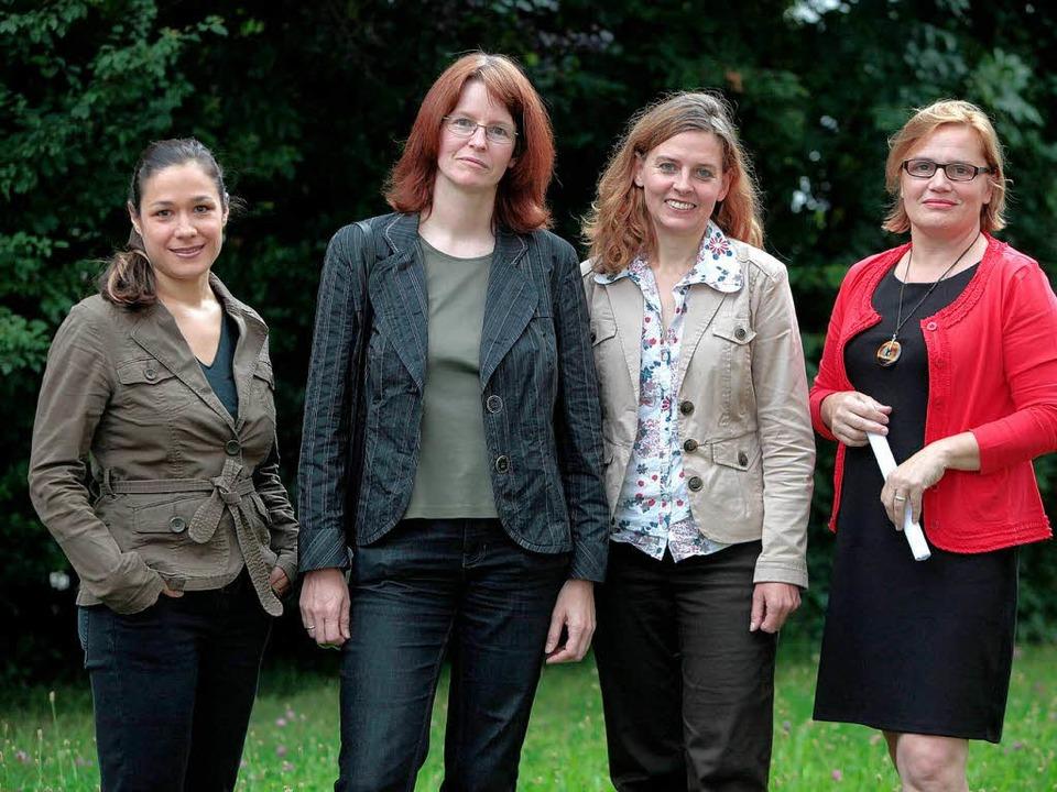Die vier Kandidatinnen  (von links) Na...na Kremling und  Heike Petereit-Zipfel  | Foto: Christoph Breithaupt