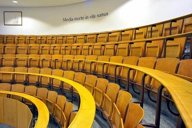Zum Teil herbe Kritik der Gutachter an Uni-Rektorat