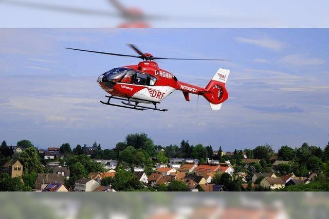 Rettungshubschrauber darf nur mit Hilfe der Feuerwehr landen