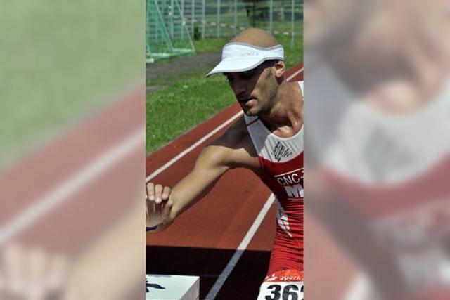 David Hinze mit dem Staffelsieger fast auf Augenhöhe