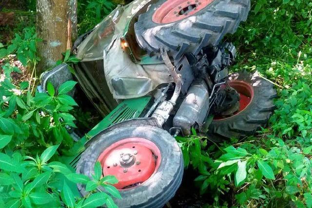 Mit dem Traktor umgekippt
