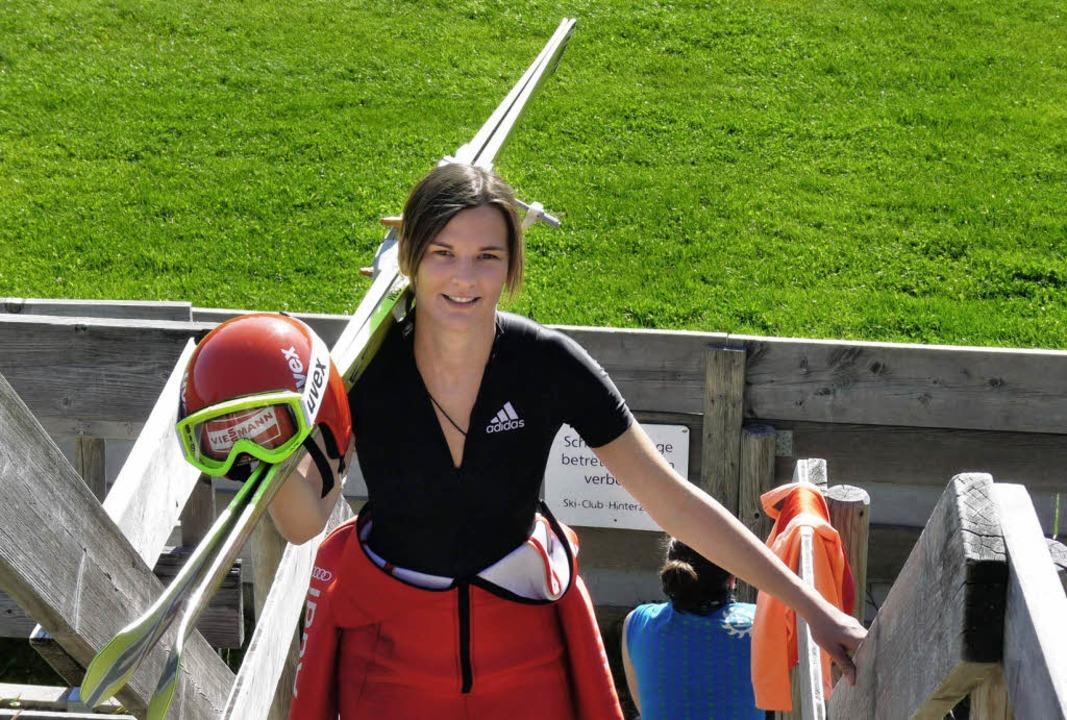 Skispringerin Ulrike Gräßler ist eine ...es Sommer-Grand-Prix in Hinterzarten.   | Foto: johannes bachmann
