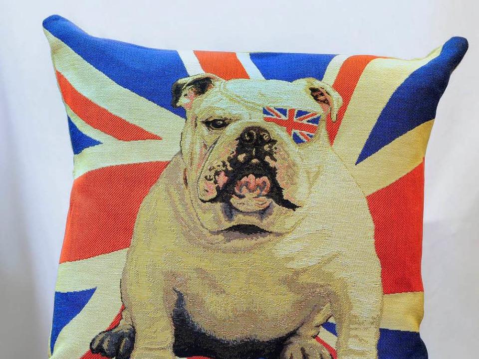 Very british und in Freiburg zu haben: ein Kissen mit English Bulldog.  | Foto: Thomas Kunz
