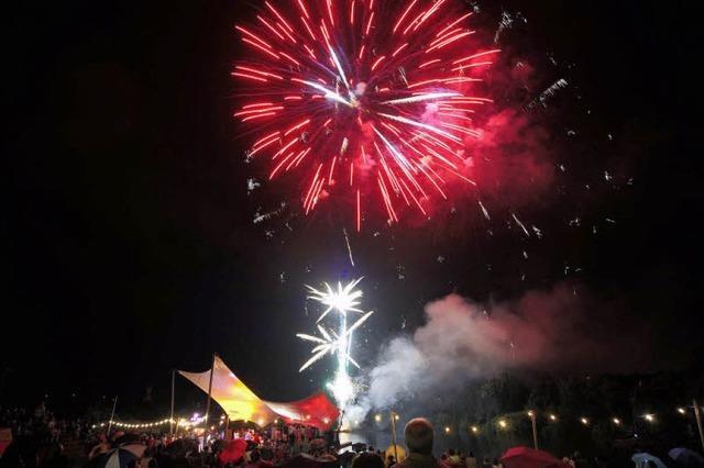 Seefest im Seepark: Feuerwerk zum 80. Geburtstag des Stadtteils Mooswald