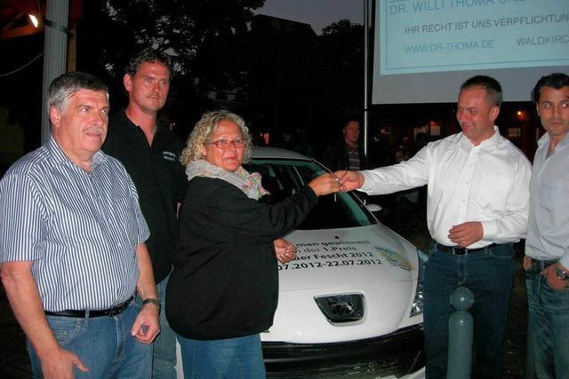 Kollnauer Fescht: Waldkircherin gewinnt Auto