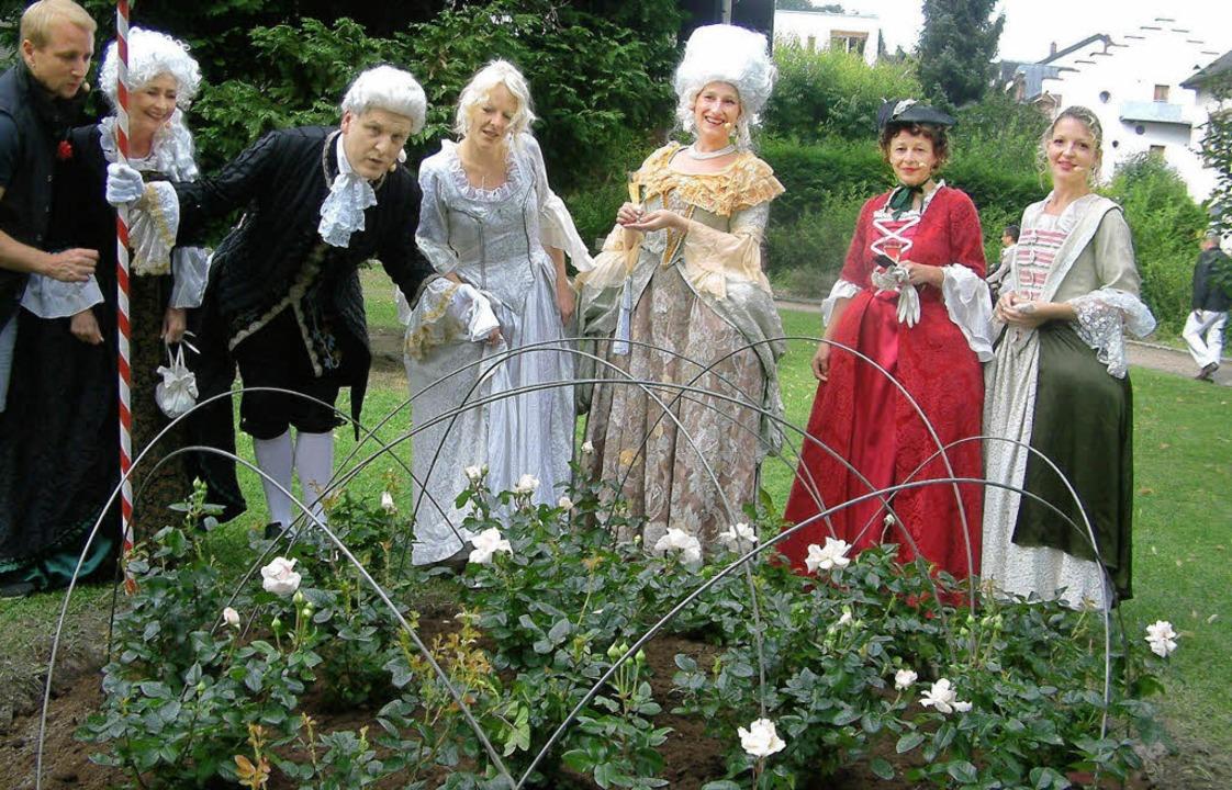 Viel bewundert wurde die frisch gepfla...it Schauspielszenen und Mozart-Arien.   | Foto: Roswitha Frey