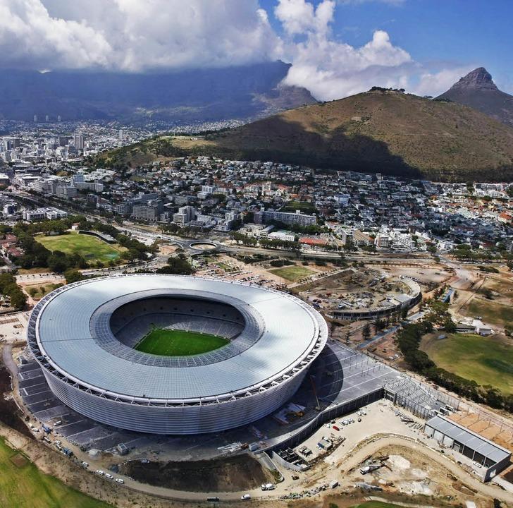 Prachtbau am Kap: Das Fußballstadion in Kapstadt  | Foto: dpa