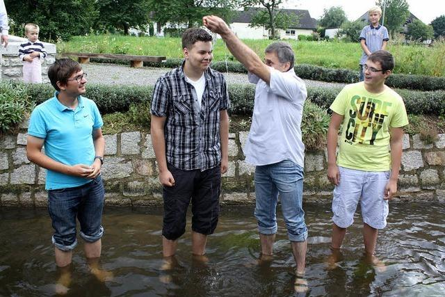 Taufe im Mühlbach