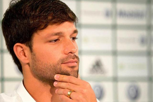Diego entschuldigt sich, da Silva geht nach Duisburg
