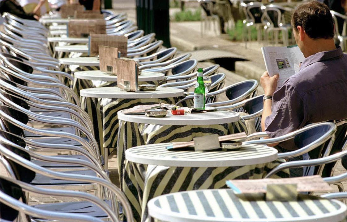 Öffentlich allein sein, das kann nicht...en – und bleibt lieber zuhause.   | Foto: dpa