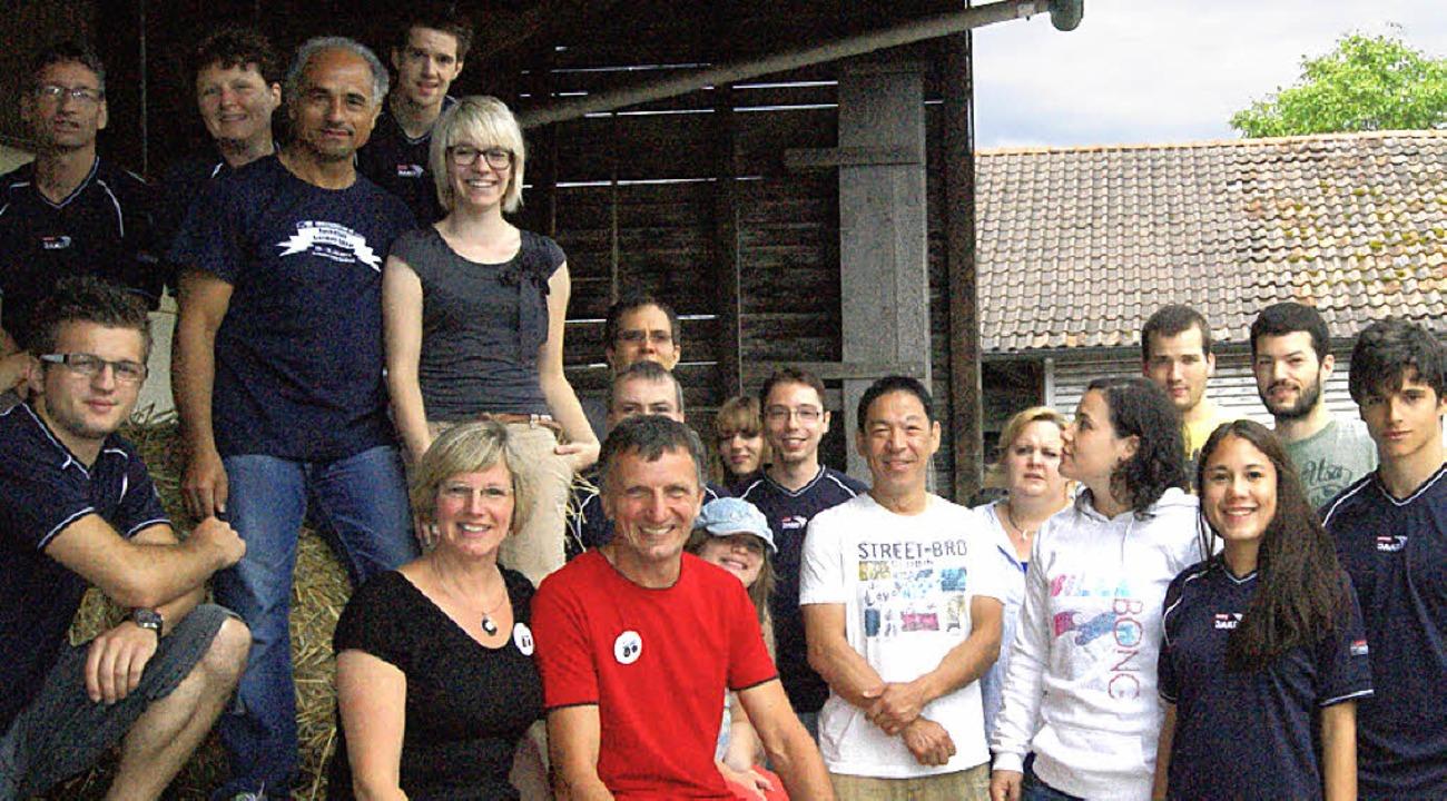 Die Helfer des Badmintonclubs Bad Säckingen rund um Elisabeth und Franz Isele.  | Foto: maria schlageter