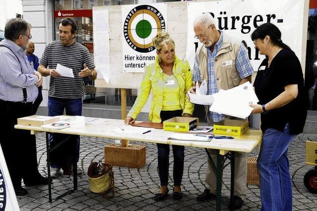 5000 Stimmen gegen Rathausbau