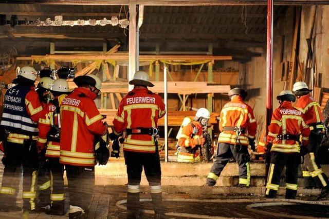 Feuer in Breisacher Schreinerei – hoher Schaden